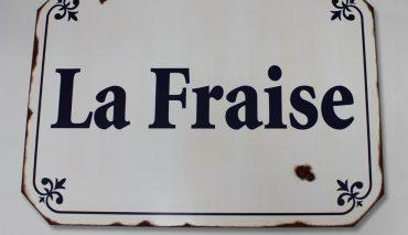 レトロ風看板(La Fraise様)